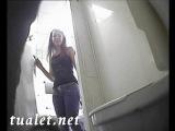 Скритая камера в туалете..